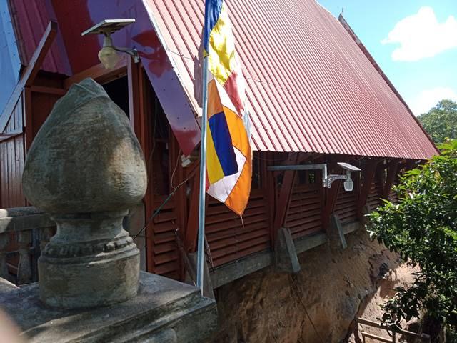 大きな仏像がある小屋