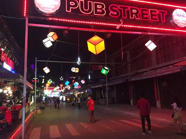 クリスマスのパブストリート