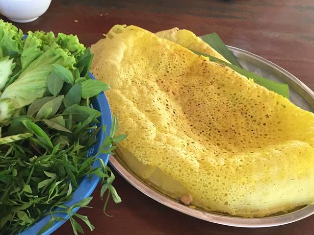 カンボジア風お好み焼きなんて呼ばれる「バンチャエウ」を食べよう!