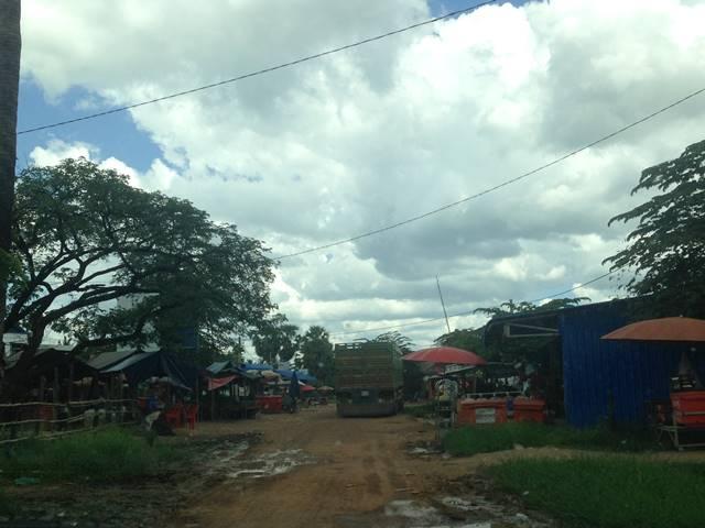 「大プリアカン」遺跡の手前にあるタセン村